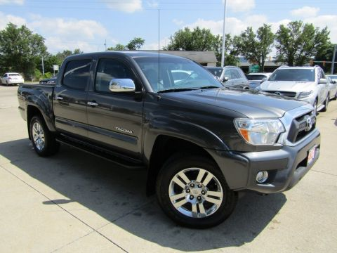Pre-Owned 2015 Toyota Tacoma Double Cab